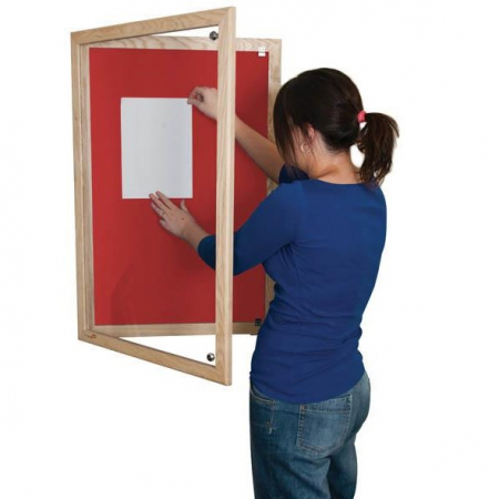 Lockable felt notice board - Single door with wood frame - Cherry