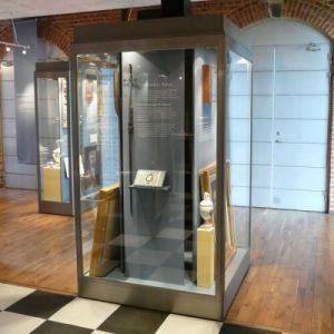 modular museum showcase 2