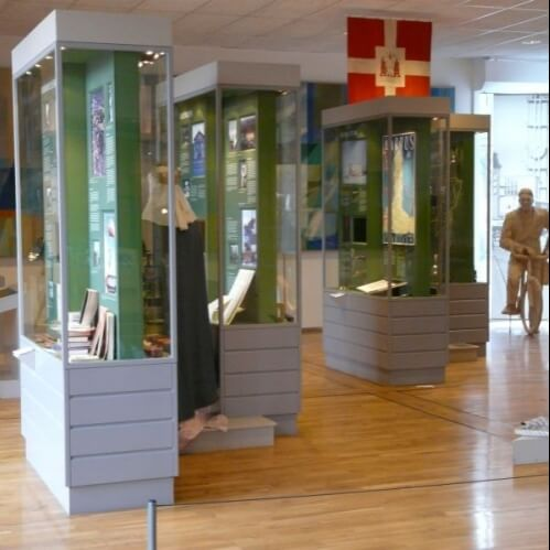 Quality Museum Display Cases Amp Cabinets Access Displays