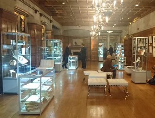 Glass showcase hire